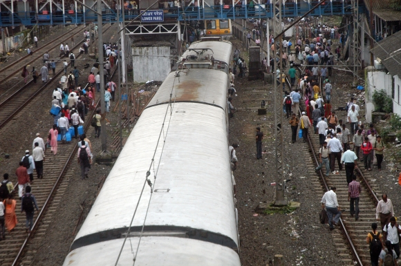 Motormen strike called off, but chaos reigns in Mumbai