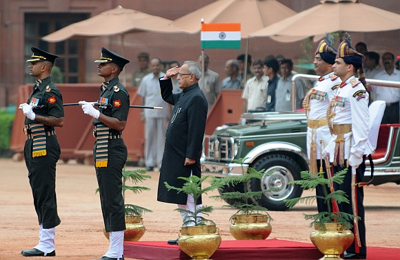 President Shri Pranab Mukherjee inspecting the Guard of Honour after the swearing-in ceremony