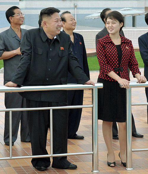 North Korean leader Kim Jong-Un and his wife visit the Rungna People's Pleasure Ground in Pyongyang