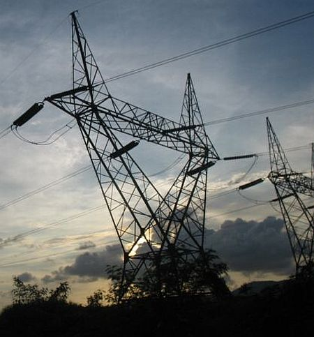 Power overdraw by states caused July outage: Panel