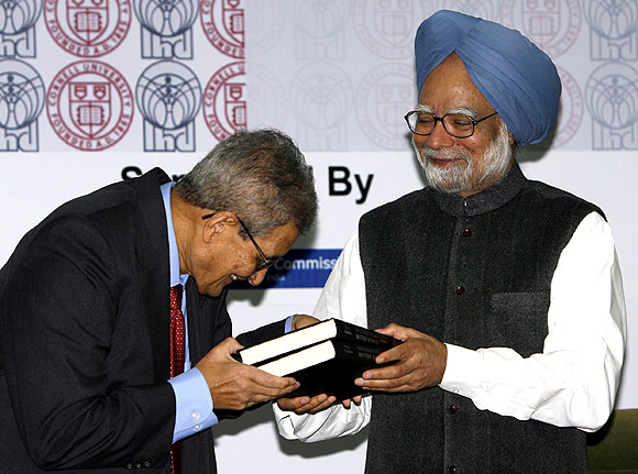Amartya Sen with Prime Minister Manmohan Singh