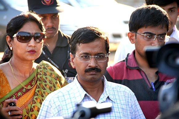 Can CBI ever do an interdependent probe, asks Team Anna member Arvind Kejriwal