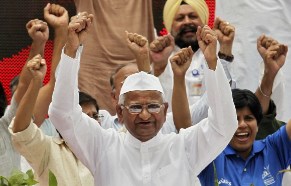 Anna Hazare with his supporters