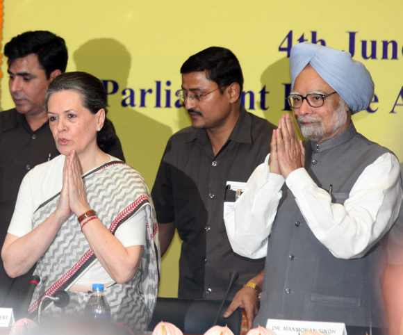 Congress President Sonia Gandhi and Dr Singh at the CWC meet