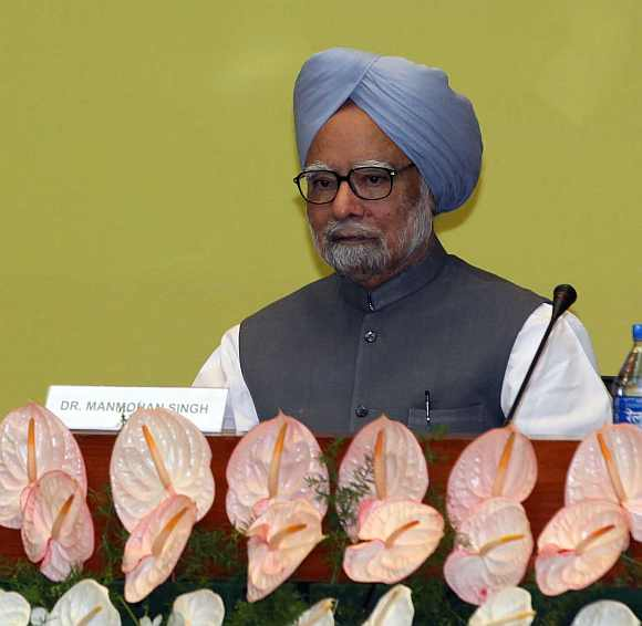 Prime Minister Dr Manmohan Singh at the CWC meet in New Delhi