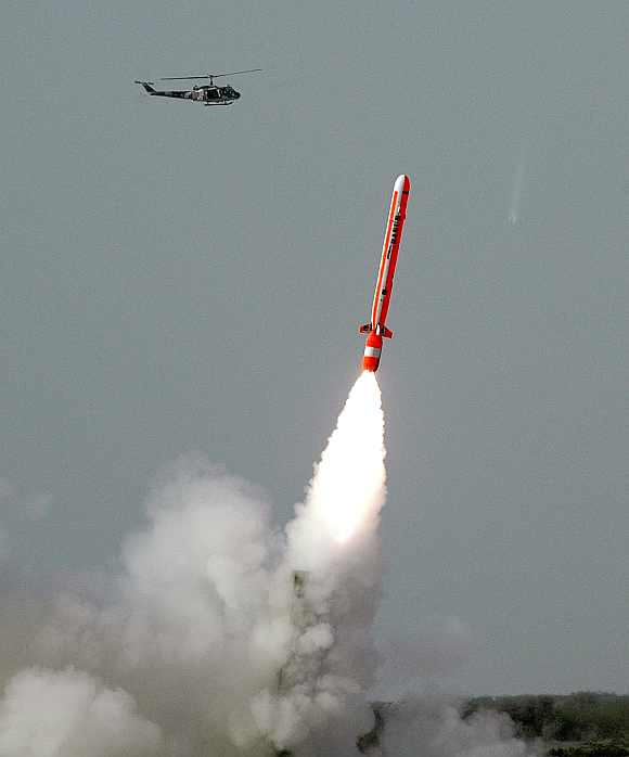Pak Test Fires 700 Km Nuke Missile That Can Hit India