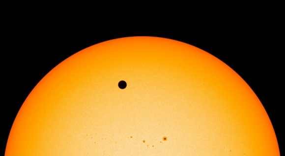 Venus transit leaves beauty spot on sun