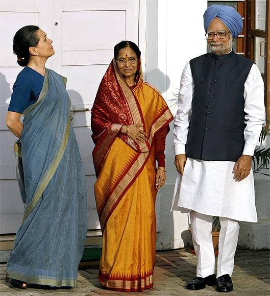 President Pratibha Patil with Prime Minister Manmohan Singh and Congress president Sonia Gandhi