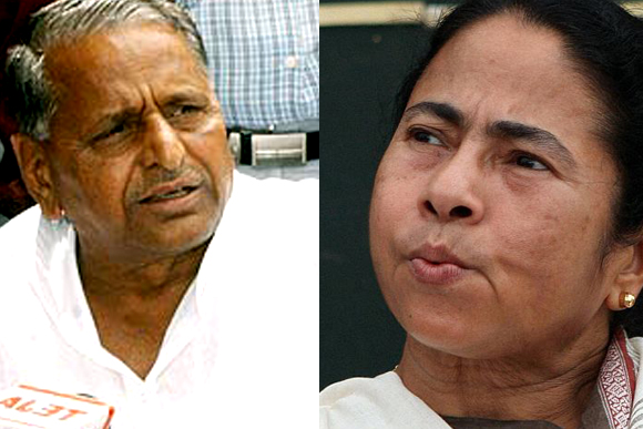 Samajwadi Party chief Mulayam Singh Yadav and Trinamool Congress chief Mamata Banerjee
