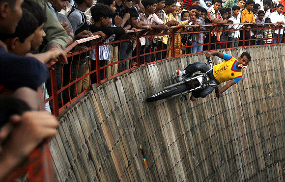 The most thrilling real-life stunts!