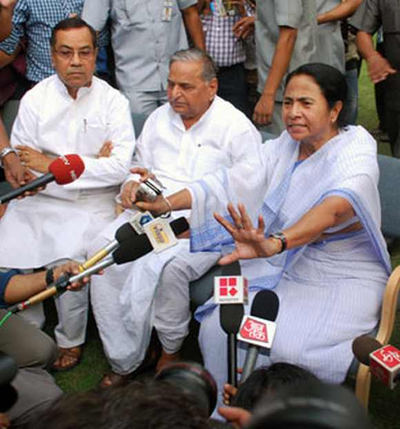 Will Mulayam Singh Yadav and Mamata Banerjee back a Third Front government?