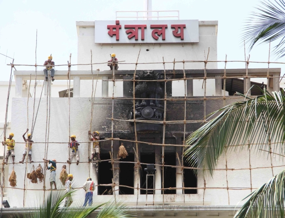 Mantralaya tries to regain lost glory