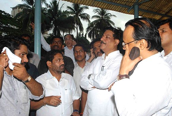CM Prithviraj Chavan and Deputy CM Ajit Pawar overseeing operations to curb the Mantralaya fire