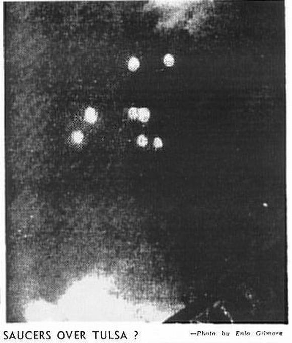 Eight Arnold-like objects photographed over Tulsa, Oklahoma, July 12, 1947 (from Tulsa Daily World).