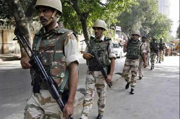 Delhi police to quiz Geelani over LeT links