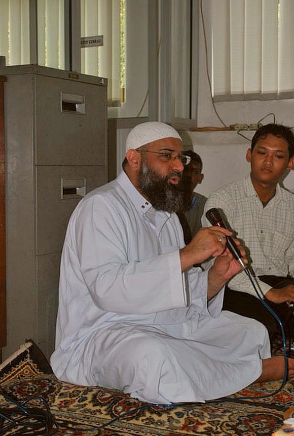 Shiekh Anjem Chaudary