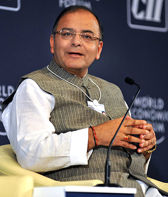 Arun Jaitley loves luxury cars; total assets: Rs 110 crore