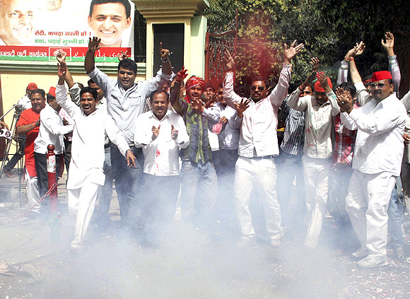 SP workers celebrate in Lucknow