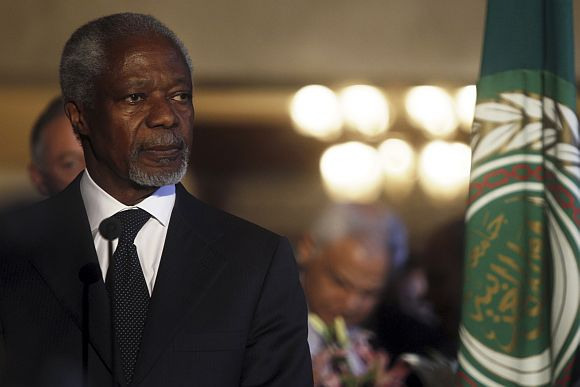Kofi Annan, the UN-Arab League Special Envoy on Syria, attends a news conference with Arab League Secretary-General Nabil Al Araby in Cairo