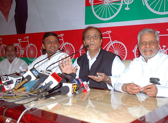 Akhilesh Yadav with Azam khan