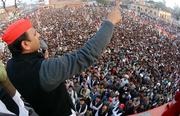 Akhilesh Yadav addressing supporters at an election rally