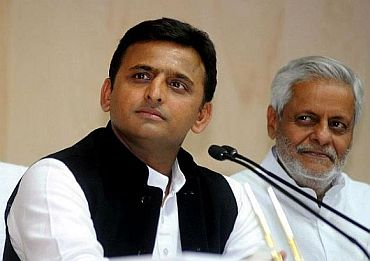 India News - Latest World & Political News - Current News Headlines in India - Bungalow damage row: Akhilesh terms it as BJP conspiracy