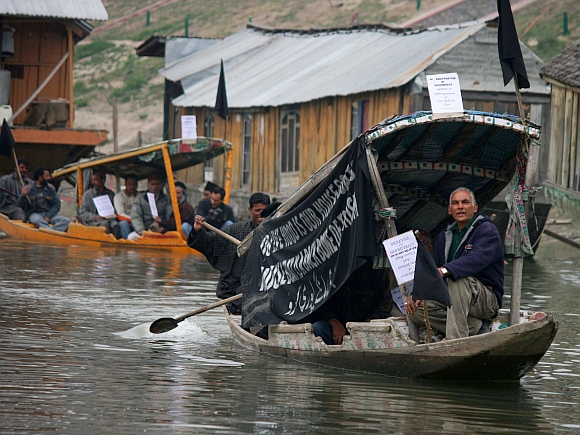 Shikaras at the Dal Lake
