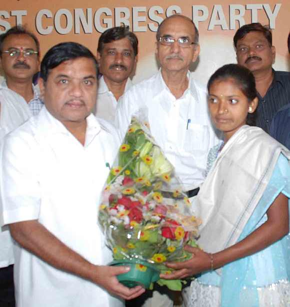 Alka Sarode was felicitated by Maharashtra Home Minister RR Patil on Thursday