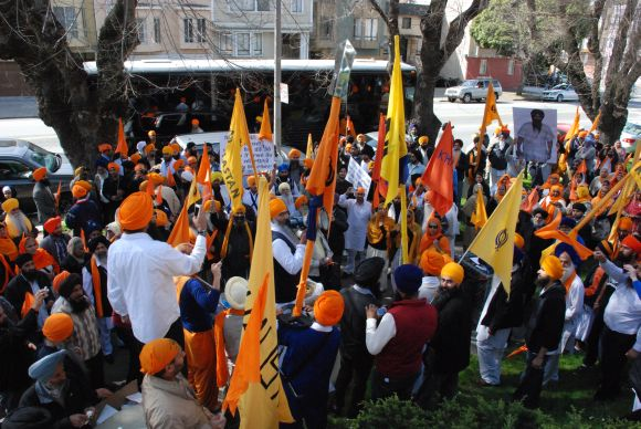 Sikhs protest against pronouncement of death sentence against Bhai Balwant Singh Rajoana, in San Francisco, on Friday