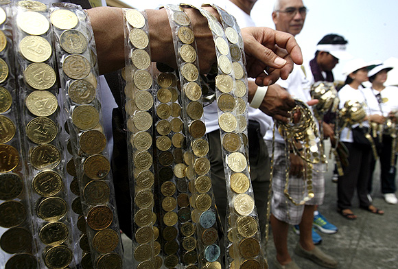 Longest line of coins