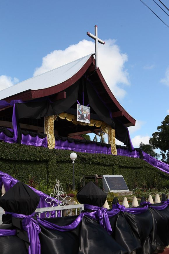 PHOTOS: Grand farewell for Tonga's King George Tupou V