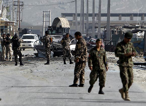 Explosions rock Kabul after Obama leaves, 6 dead