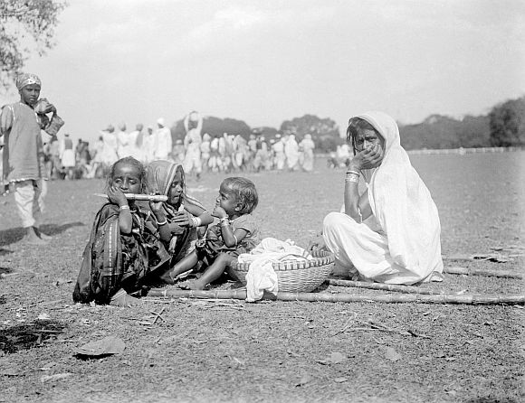 RARE PHOTOS: A 100-year-old glimpse of British India