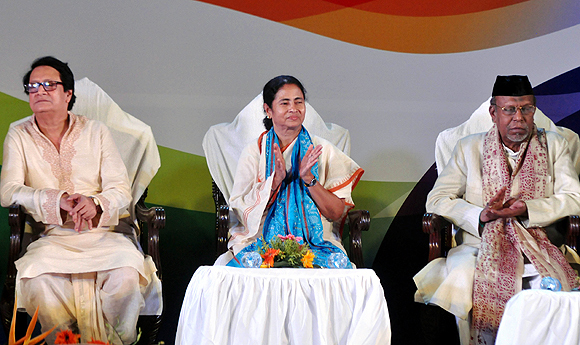 Chief Minister Mamata Banerjee with Tollywood star Ranjit Mallick and Shehnai player Ustad Ali Ahmed Hussein Khan
