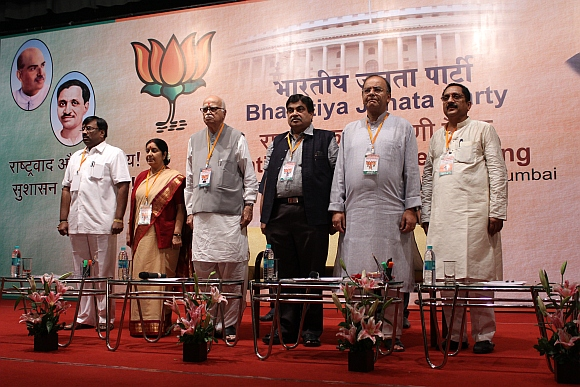 (From left) Maharashtra BJP president Sudhir Mungantiwar with senior BJP leaders Sushma Swaraj, LK Advani, Nitin Gadkari and Arun Jaitley