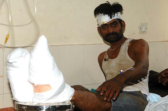 Ghastly accident on Mumbai-Pune Expressway kills 27