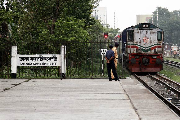 The Maitree Express rolls into the Dhaka Cantonment station