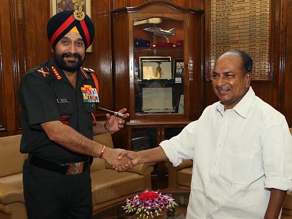Defence Minister A K Antony congratulates General Bikram Singh