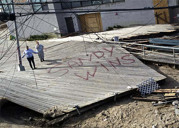 Sandy aftermath: US struggles to get back on its feet