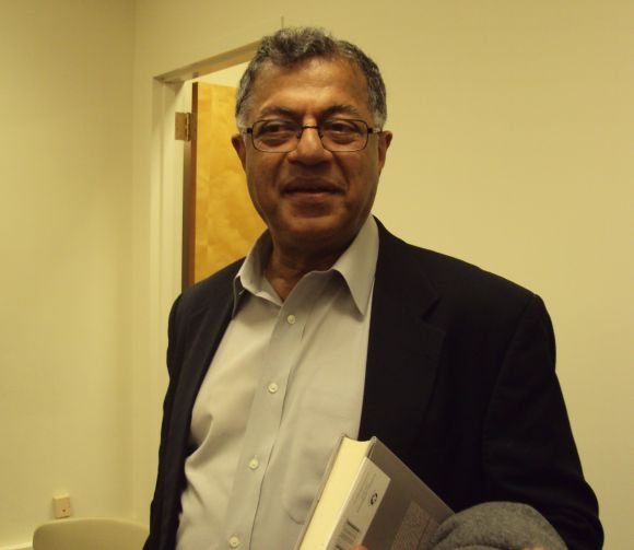 Noted playwright Girish Karnad