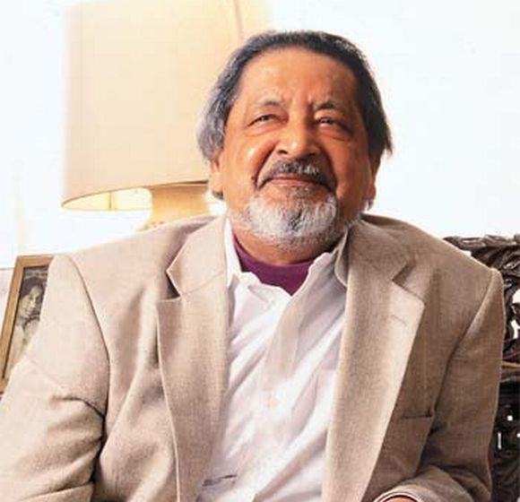 When Naipaul was attacking Muslims on BBC in London, was there anybody to defend the Muslims, asks Karnad