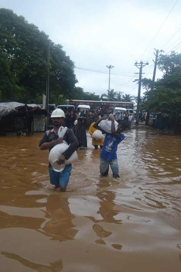 People evacuate their houses in Vizag