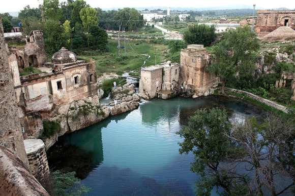 The pond at the historic Katasraj Temple in Punjab province