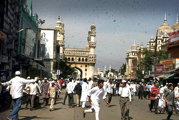 Charminar cordoned off, Hyderabad simmers