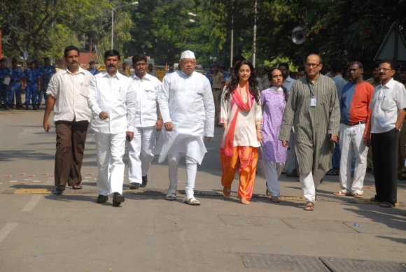 Actress Juhi Chawla outsied Matoshree