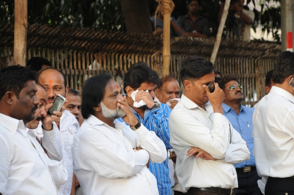 Shocked Sena workers rush to Matoshree