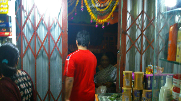 A shopkeeper in Santacruz shuts down his shop