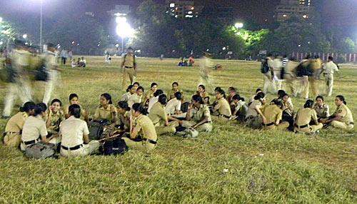 Shiv Sainiks prepare for last salute