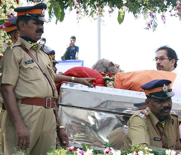 Close-up PHOTOS: Thackeray's last journey