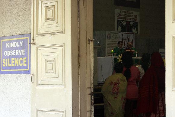 Mumbai bids farewell to Bal Thackeray